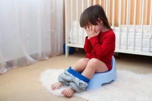Trẻ 3 tuổi bị táo bón: Cách chăm sóc và điều trị