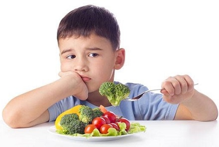 Bổ sung chất xơ cho trẻ bị táo bón đúng cách