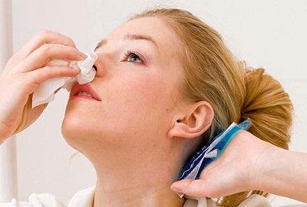 Tại sao bạn dễ chảy máu mũi vào mùa đông?