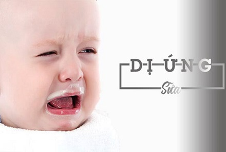 Dị ứng sữa ở trẻ nhỏ: Mẹ phải làm sao?