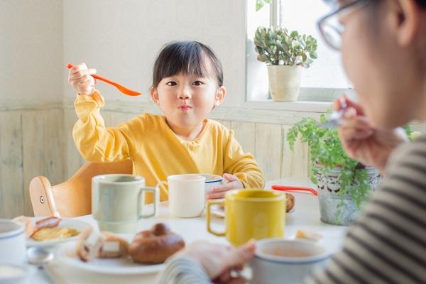 dinh dưỡng cho trẻ thiếu máu
